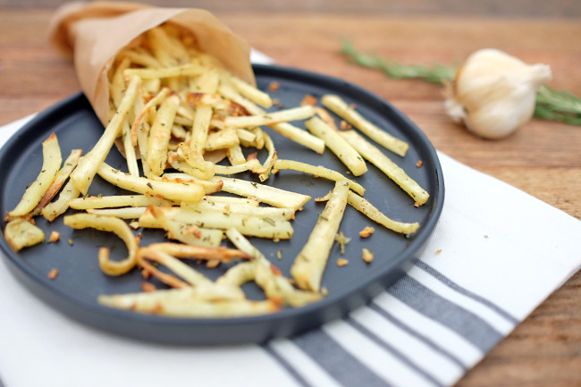 Garlic-rosemary-parsnip-fries